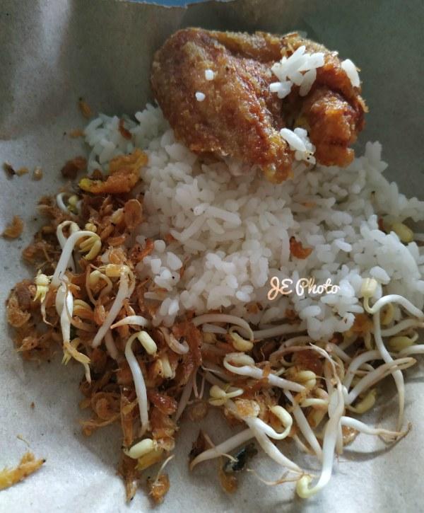 nasi kasreng kuningan