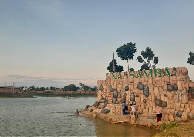 menikmati senja di danau arjuna samba bekasi