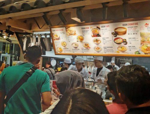antrian panjang di marugame udon living plaza jababeka