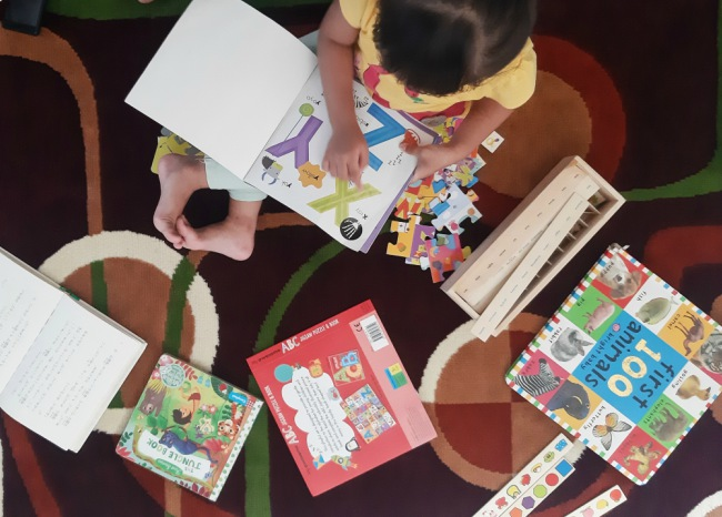 mengajak anak gemar membaca sejak kecil
