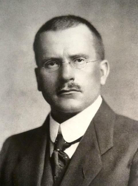 Ekspresikan warna dengan Carl Gustav Jung Psikiater Swiss