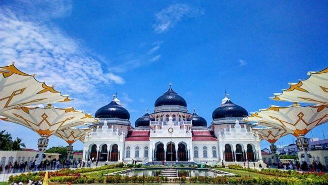 wisata religi masjid baiturrahman aceh